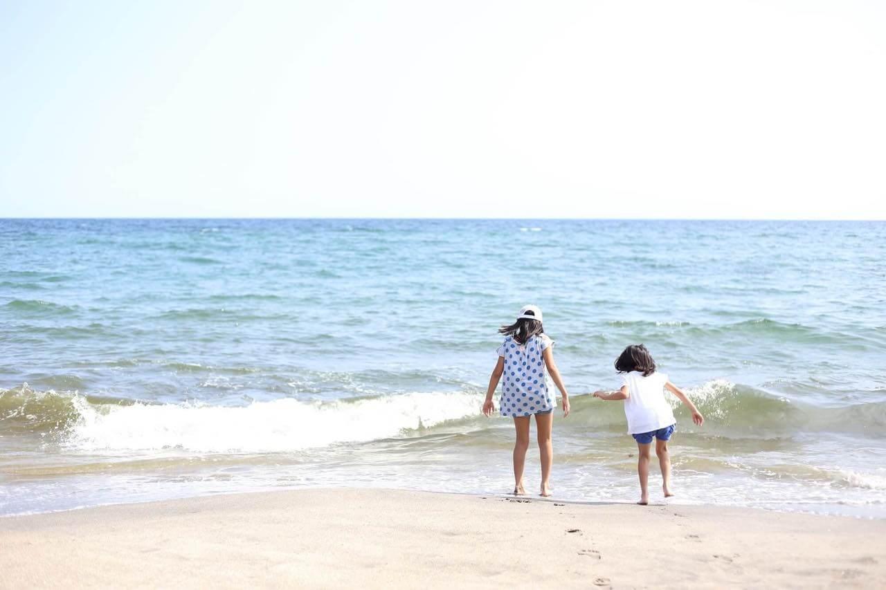 水平線が見える海などの風景