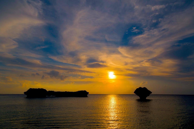 沖縄の絶景サンセットビーチ・スポット