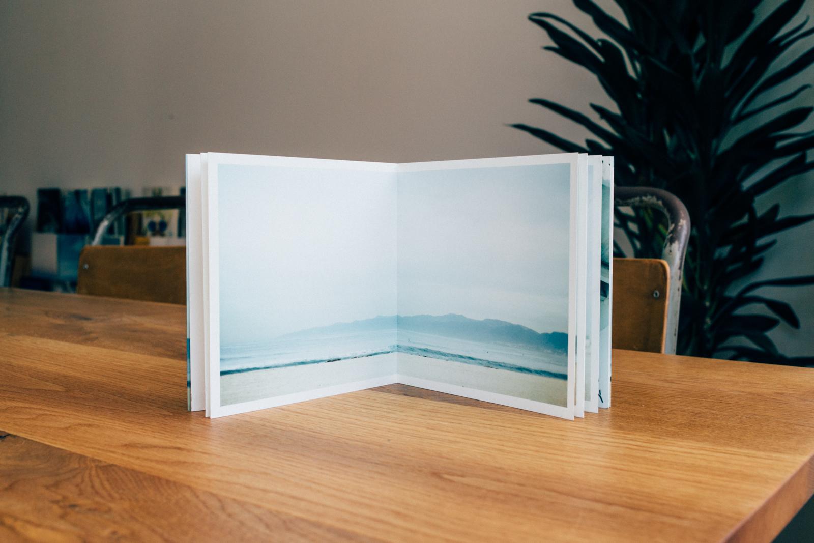 見開きで飾れる「合紙製本」